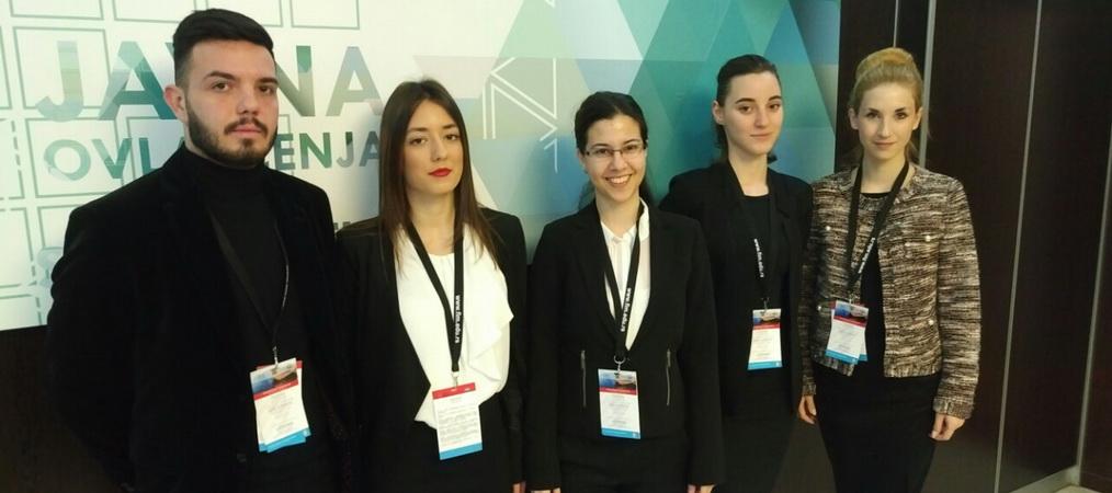 """Studenti FIM volontiraju na konferenciji """"Kritična infrastruktura odbrambene industrije"""""""